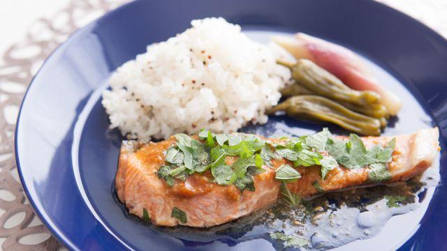 時間がない朝に作るエナジー朝食:暴飲暴食による体調不良を改善「鮭のワンプレート」 - Peachy(ピーチィ) - ライブドアニュース