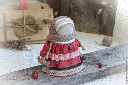 """Народные куклы ручной работы. Ярмарка Мастеров - ручная работа. Купить куколка Девочка с конфетой """"Вишенка"""".. Handmade. Бордовый, конфета"""