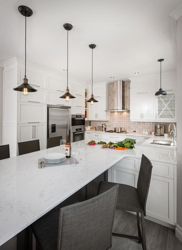 le choix des couleurs de votre cuisine d finira l ambiance que vous lui donnerez chez armoires. Black Bedroom Furniture Sets. Home Design Ideas