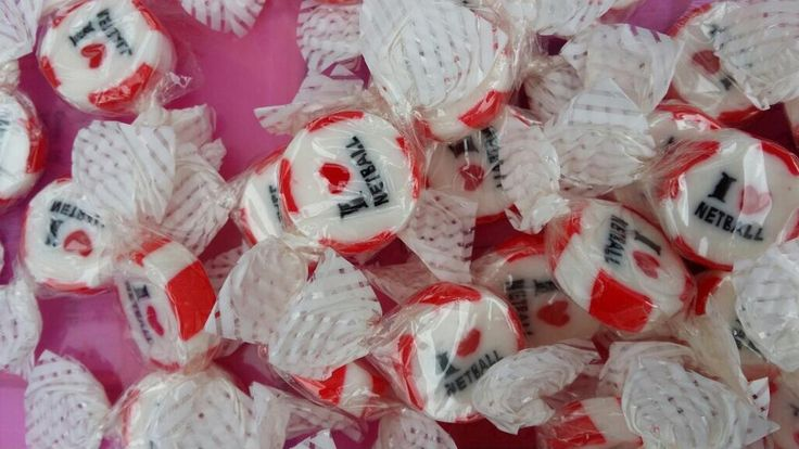 Netball sweets to hand out to children at Ward End Park #QBR #iheartnetball pic.twitter.com/oIlTUVRAqO