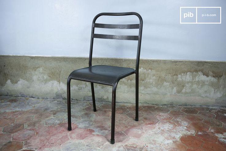 Sedia accatastabile in metallo marrone e molti altri sedie da scoprire su PIB, lo specialista in arredamenti, illuminazioni e decorazioni vintage.