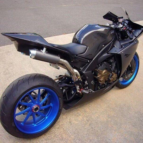 #Biker #Motorcycle #Equipment #Bike #Journey #Freedom #Road #Мотоцикл #Путешествие #Байкер #Свобода #Мото #Байк #Шоссе #Дорога #review #new #sport #news #supercars #travel