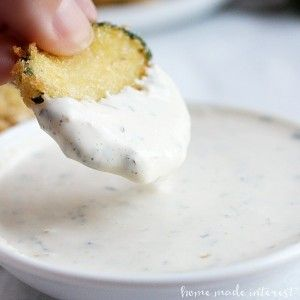 This easy Lemon Aioli is a creamy, tangy sauce that is perfect for dipping your fried zucchini chips. A copycat recipe for Maggiano's zucchini fritte sauce!
