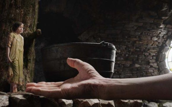 Steven Spielberg creates a landscape of astonishments in The BFG - review http://cinemacafeelivros.blogspot.com/2016/07/steven-spielberg-creates-landscape-of.html