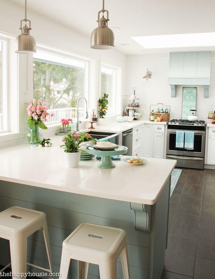 coastal style kitchen Best 25+ Coastal cottage ideas on Pinterest | Florida decorating ideas, Cottage kitchens with