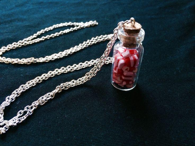 Un preferito personale dal mio negozio Etsy https://www.etsy.com/listing/230235895/candies-bottle-miniature-necklace