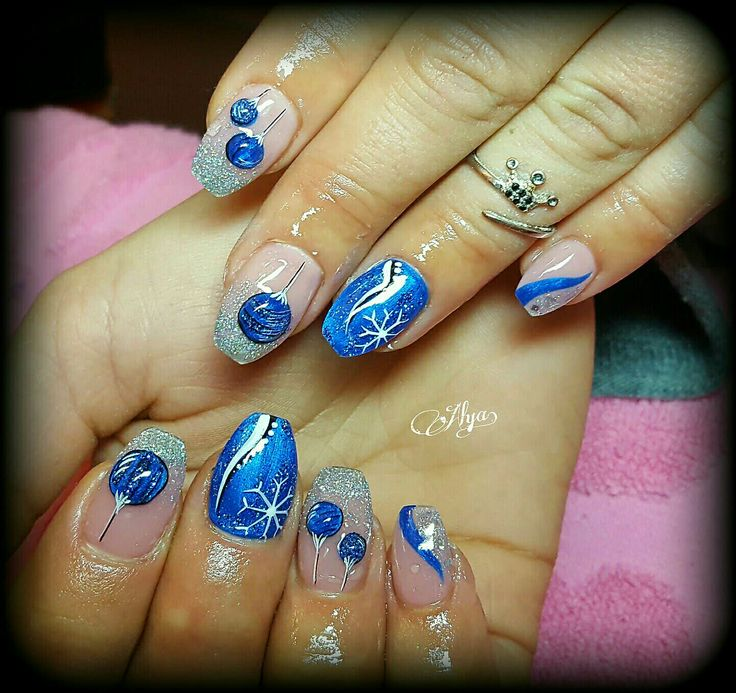 Blue Christmas nails with snowflakes