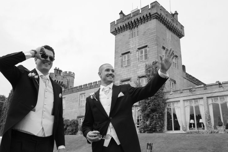Groom in front of Dromoland Castle