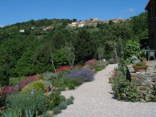 2013 mediterranean garden designs italia gardens for Mediterranean garden designs