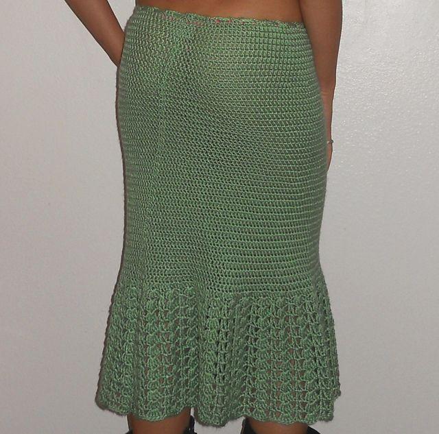 hip hugging crochet skirt pattern via 20 Popular Free #Crochet Skirt Patterns for Women