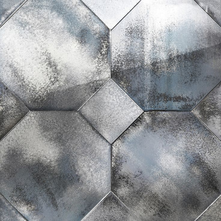 Diamond. Wall covering in float antiqued mirror.