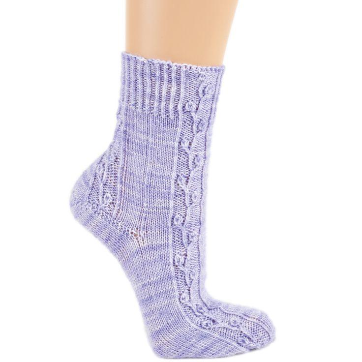 Схема и описание вязания на спицах носков с растительным узором из журнала «Verena» №3/2015