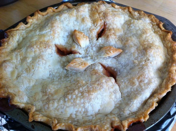 Apple strawberry pie