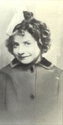 Myriam Adamowicz sadly murdered in the gas chamber in Auschwitz on August 19, 1942 at age 6. ~Adorable and angelic photo~ <3 <3 <3