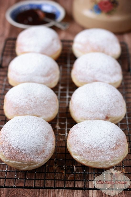 Pyszne dietetyczne pączki pieczone, puszyste, delikatne o znacznie obniżonej ilości kalorii.