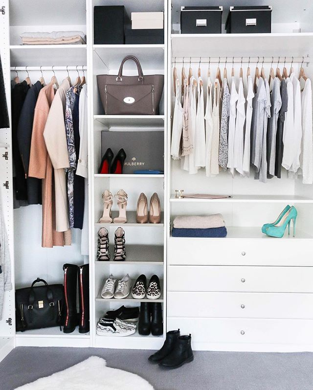 I dag kan du se mer av mitt #walkincloset og lese mine tips til å holde orden i garderoben på theinspiremeportal.com #linkinbio -- Now you can see more of my walk in closet and read my tips and tricks to keep it organized at theinspiremeportal.com #linkinbio _________________________________________________