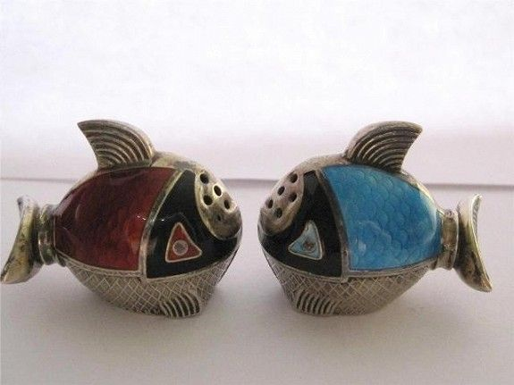 Salt og pepper fisker i sølv med emalje (auksjon) - FINN Torget