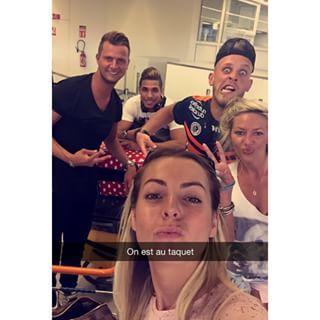 Instagram photo by realitytv_news - Vincent, Bilal, Hillary, Tressia et Jordan (#LesChtis) à l'aéroport aujourd'hui direction Palma de Majorque en Espagne  pour la revanche des Cht'is vs les Marseillais! #LesMarseillais #LCVSLM