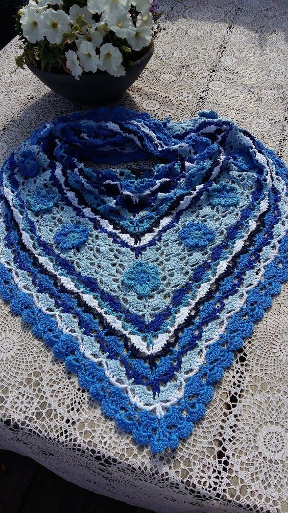 blije kleuren sjaal Marine - patroon van Naaldkunst Alkmaar
