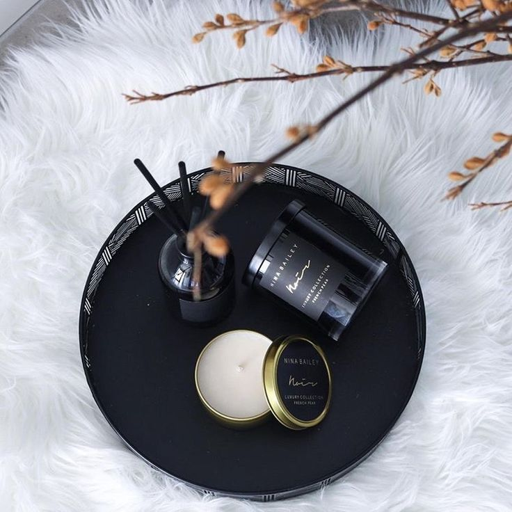 Nina Bailey French Pear soy candles in Noir. Picture by @13interiors