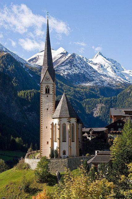 Una Iglesia en Heiligenblut, Carinthia, Austria.    Quiero viajar!
