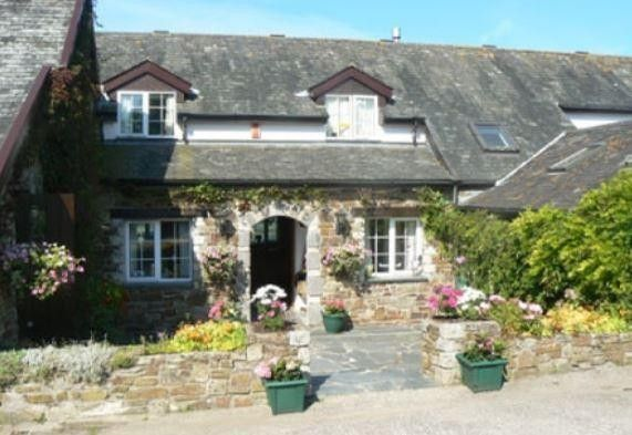 Old Keepers Cottage, Bideford, Devon, England.  Holiday, breakfast, Woodland, River, Golf, Coast, Cycle.
