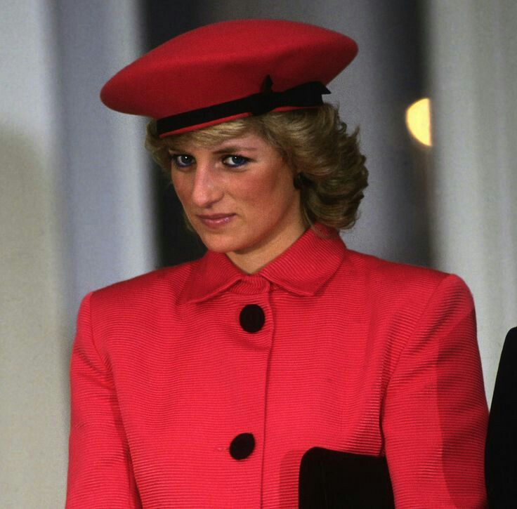 Princess Diana wearing a suit by Arabella Pollen and a hat by Graham Smith of Kangol, on a visit to Bonn, Germany November 1987.
