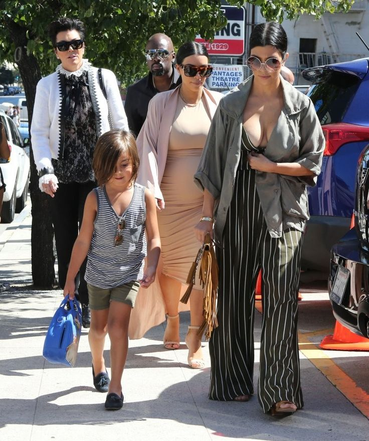 The Kardashian Clan Heads Out for Lunch at The Ivy