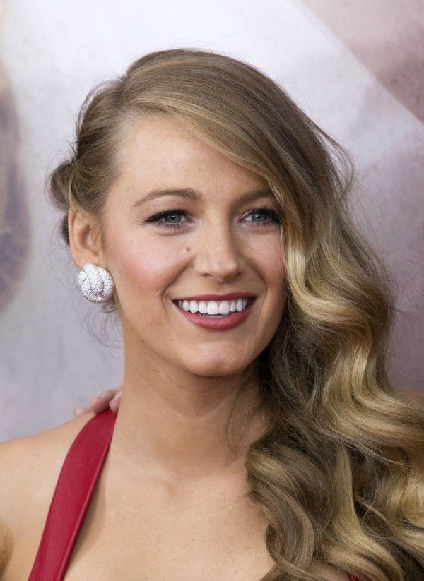 25 Wavy Hairstyles  Tips On How to Get the Look