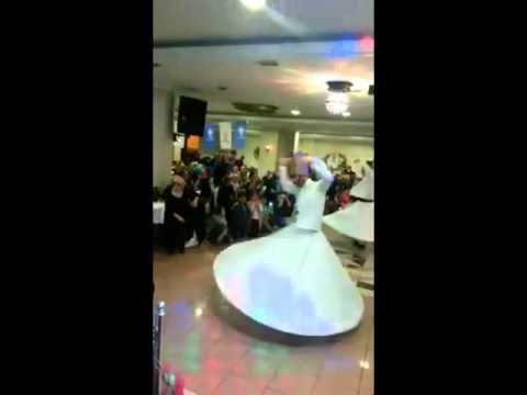 www.semazenorganizasyon.com Ak Parti Ataşehir Kadın Kollarının Koç Düğün Salonunda Yaptığı Programda Yapılan Semazen Gösterisinden Kısa Bir Bölüm. http://semazen.biz.tr - http://ilahilidugun.net
