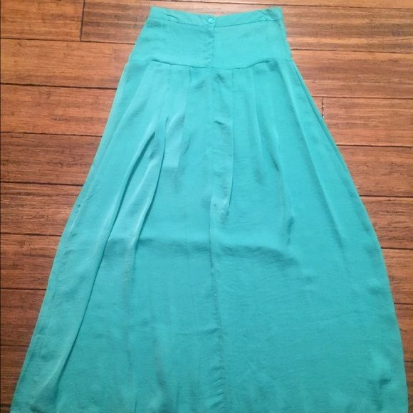 Bright Mint Maxi Skirt Gorgeous long and flowy maxi skirt in a bright spring color! Brand new retail - did not come with tags. Skirts Maxi