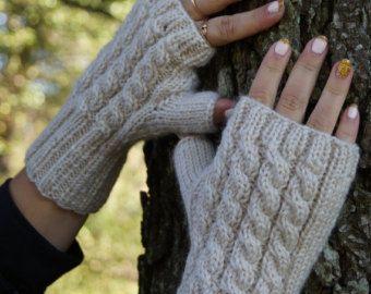 Mitones sin dedos. Guantes sin dedos, calentadores de la mano, brazo calentadores primavera guantes, guantes sin dedos de Cable tejido. LISTO PARA ENVIAR