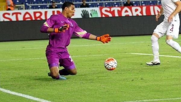 Esteban Alvarado recibió 7 goles en partido para el olvido
