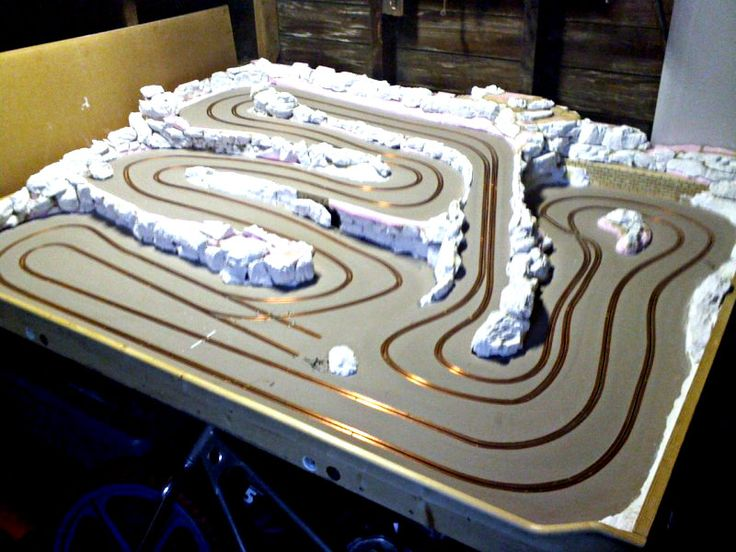 5' x 7' My first wood track. Slot Car Illustrated Forum