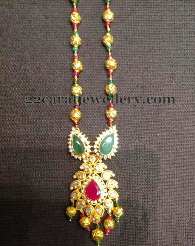 Jewellery Designs: Gold Beads Set with Simple Locket
