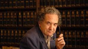 Décadas Argentinas, reto de abril 2010 a septiembre 2011, shadazz becera de México, de los escritores argentinos que no conocía le gustaron dos, el primero que mencionó: Ricardo Piglia.
