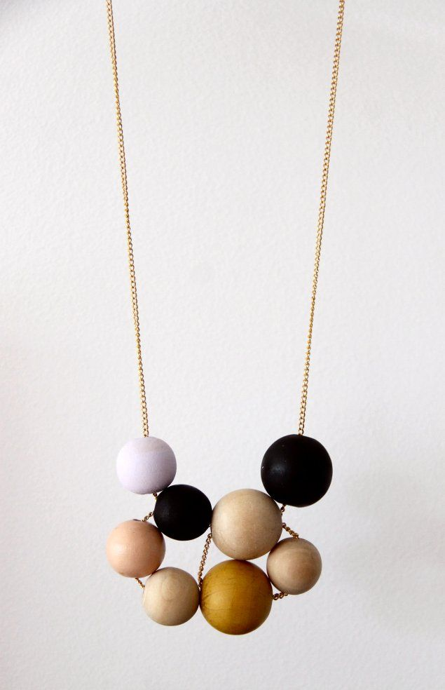#DIY Painted Wooden Bead #Necklace. No tutorial really but you weave the chain through the beads. More pics at the link.