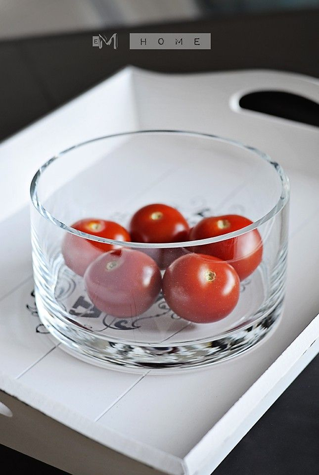 Elegant glass bowl, perfect as a fruit bowl or to keep your trifles or candles.  Great as a tabletop decoration.  Perfect centrepiece for weddings, restaurants and party themes.