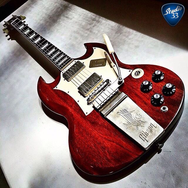 #Gibsunday! Here's a classic Gibson SG from @gibsongermany #GibsonGuitar Check out our online guitar lessons at www.Studio33Guitar.com