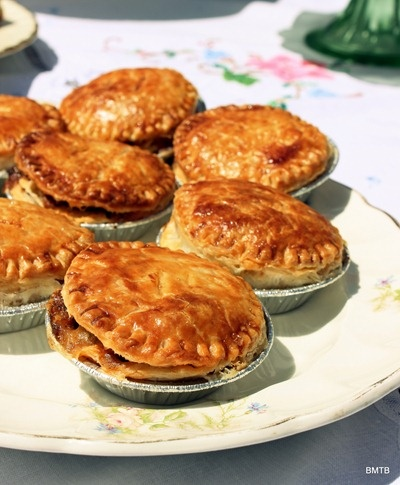 Baking Makes Things Better: Mini Mince and Cheese Pies