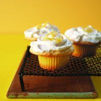 Bake a batch of these for Mother's Day or to have on hand as a special treat when you're in the mood for something indulgent. With a lemon glaze hidden beneath fluffy icing, these treats deliver a mouth-puckering tang instead of the too-sweet flavour of many store-bought cupcakes. Fast 'n' Easy Frosting Place 6 oz …