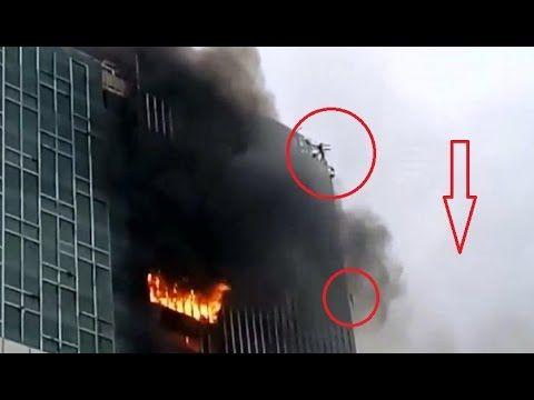 Kebakaran Hotel Di Kelapa Gading, Pekerja Terjebak Di Ketinggian Nekat M...