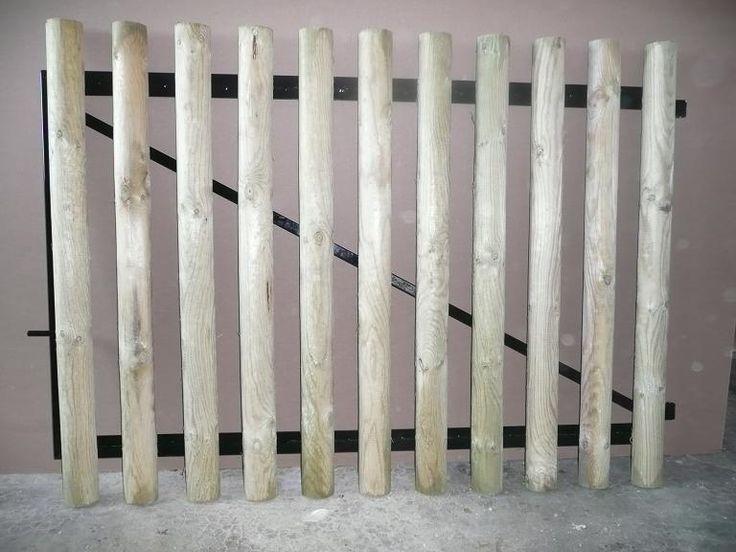 Portail 2 vantaux de 2 m x 1m10 en cadre acier 30 x 30 peinture noire. Une béquille par vantail Compris gond à plaques Ø 16 mm Sans poteau Habillage planchettes 22 x 90 cm.