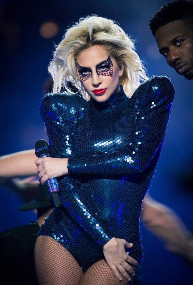Lady Gaga Superbowl Halftime Show 2017