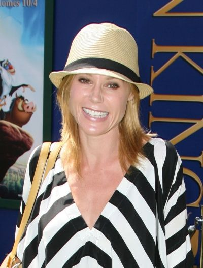 Julie Bowens cute hat