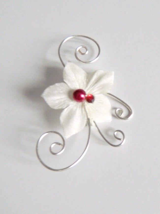 Broche, boutonnière fleur de soie ivoire et bordeaux Bijoux mariage Azanty Fleurs