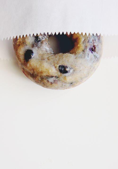 Baked Blueberry Cake Donuts - The Fauxmartha via @thefauxmartha