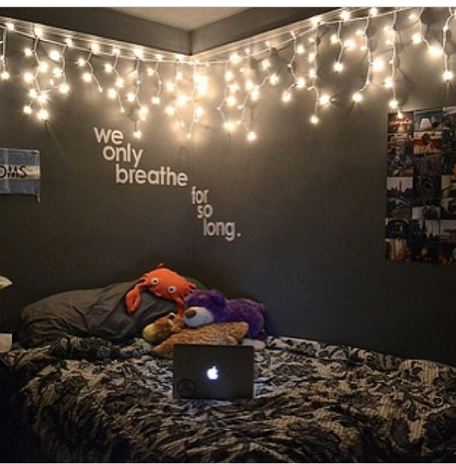 21 things you will see in every college dorm room - Bedroom Ideas Christmas Lights