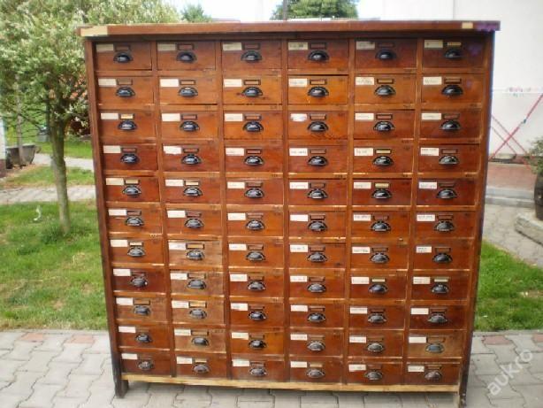 Starožitný kupecký regál 66 x  zásuvek