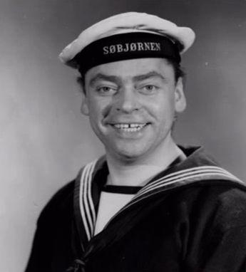 som Kanusti Mogensen, i Sømænd og svigermødre fra 1962.